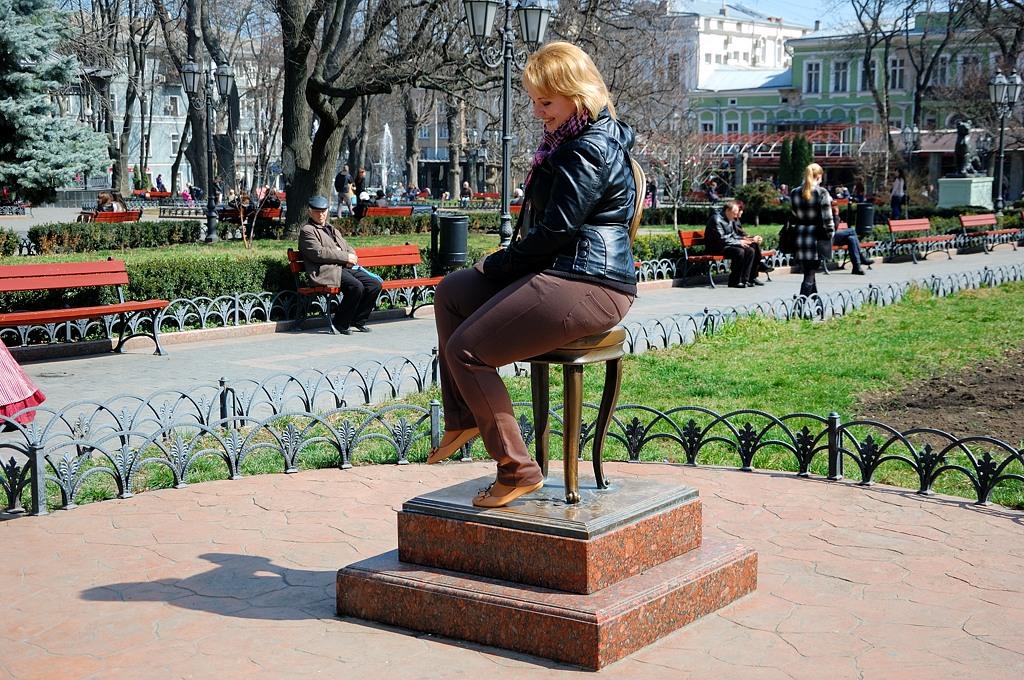 Памятник 12-ти стульям