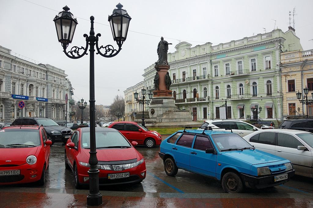 Памятник Екатерине II. Погода, увы, подкачала