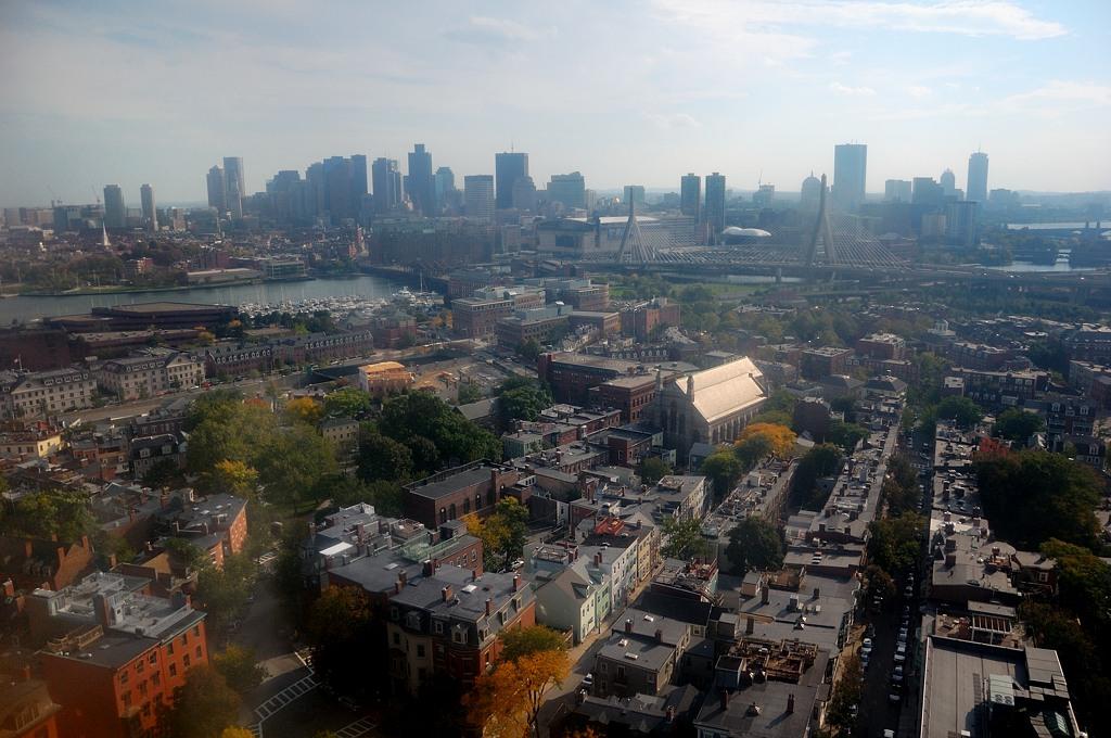 Вид на Бостон с вершины обелиска