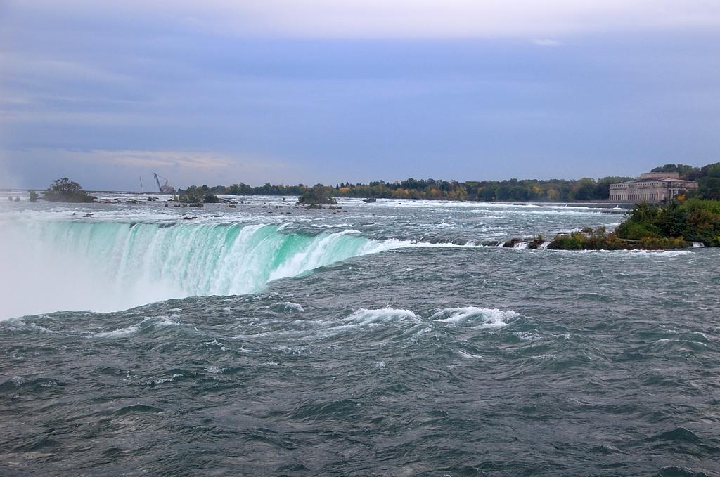 """В этом месте Ниагарский водопад напоминает """"Глотку дьявола"""" на Игуасу"""