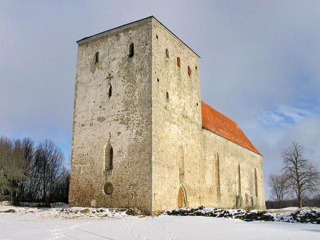 Сааремаа. Церковь Pöide XIII века