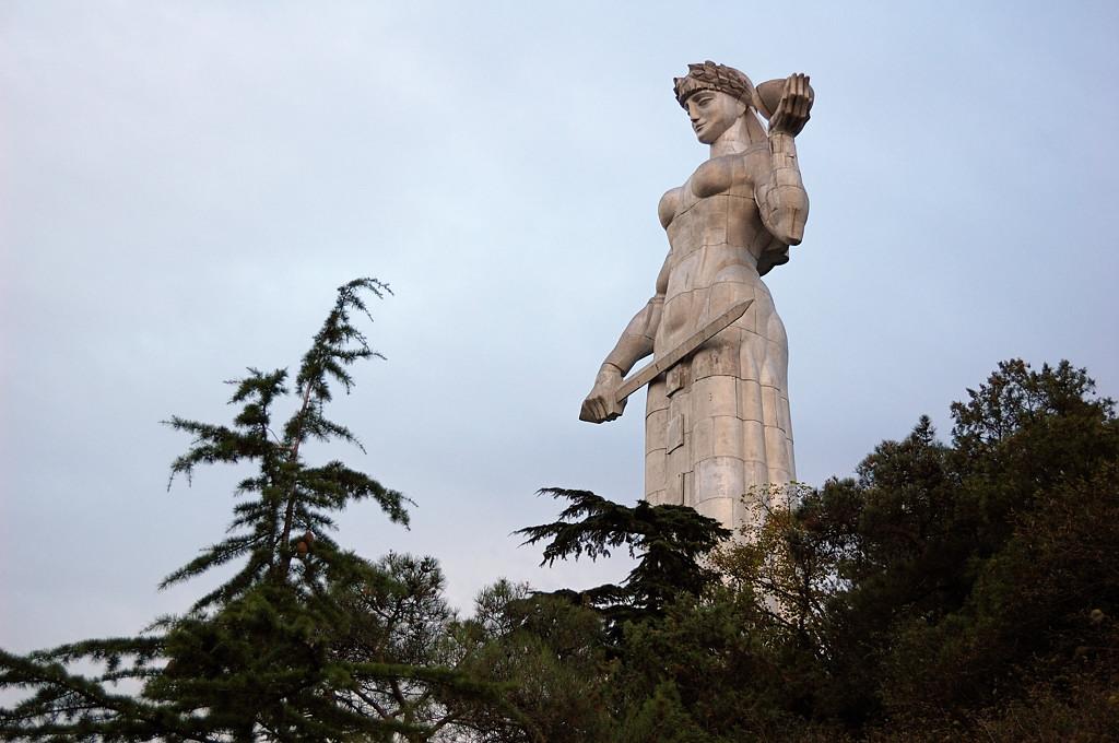 Тбилиси. Картлис Дэда - Мать-Грузия. Это у нее меч :)