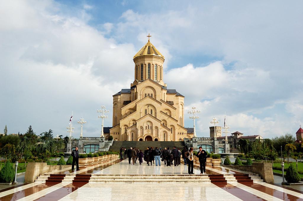 Тбилиси. Цминда Самеба (Святая Троица) - главная церковь Грузии