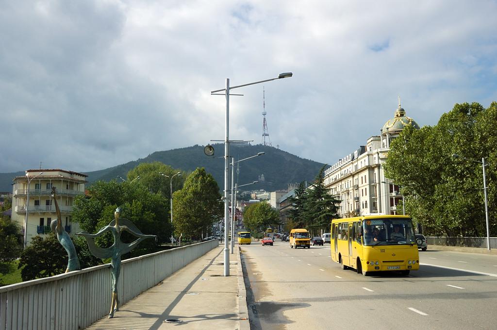 Мост через Куру