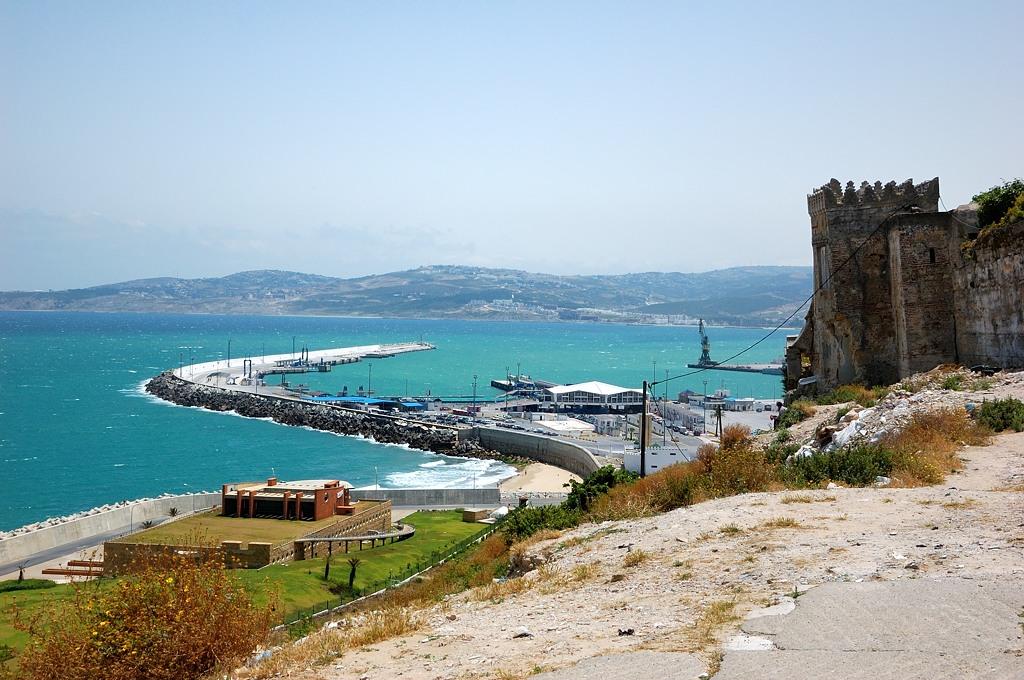 Вид с Медины на порт