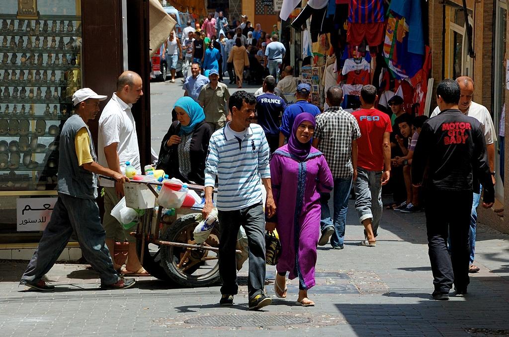 Торговля на узких улочках старого города
