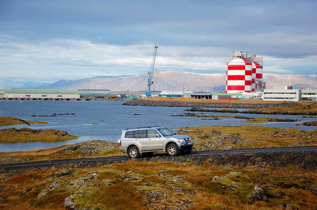 Типичный исландский пейзаж по дороге из Кефлавика
