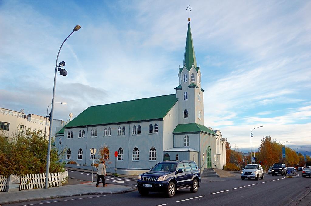 Церковь Frikirkjan