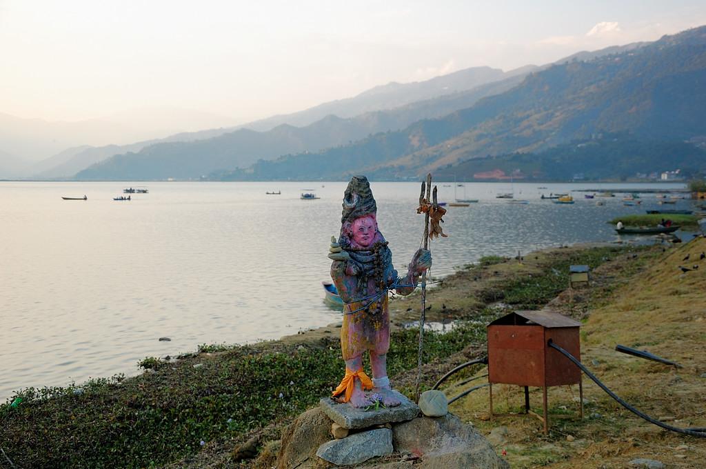 Непальская инсталляция