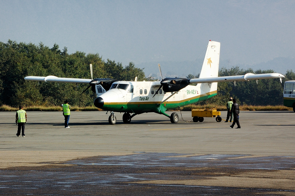 Авиатехника в аэропорту Катманду