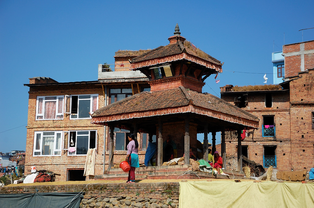 Культовая постройка прямо под окнами
