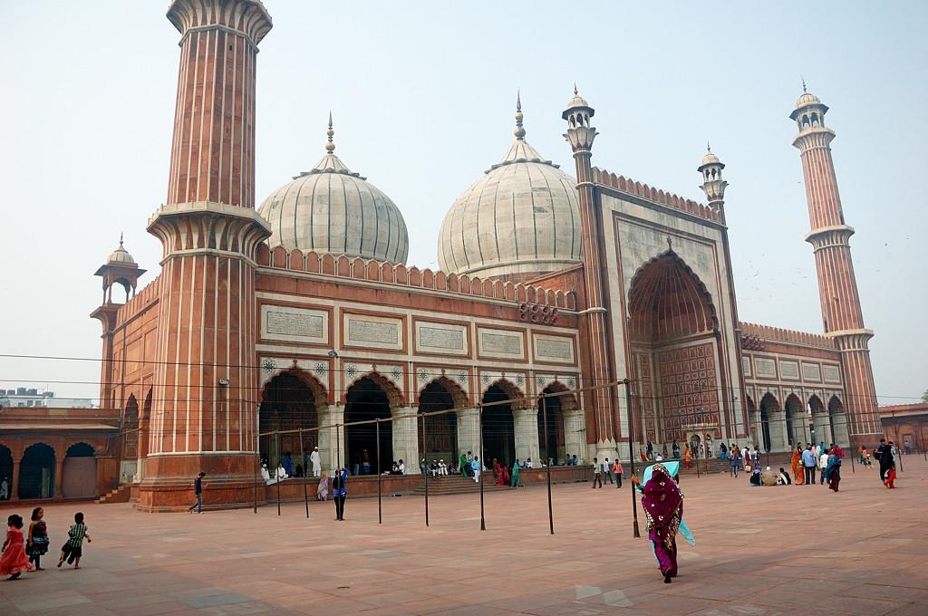 Мечеть, вид сбоку