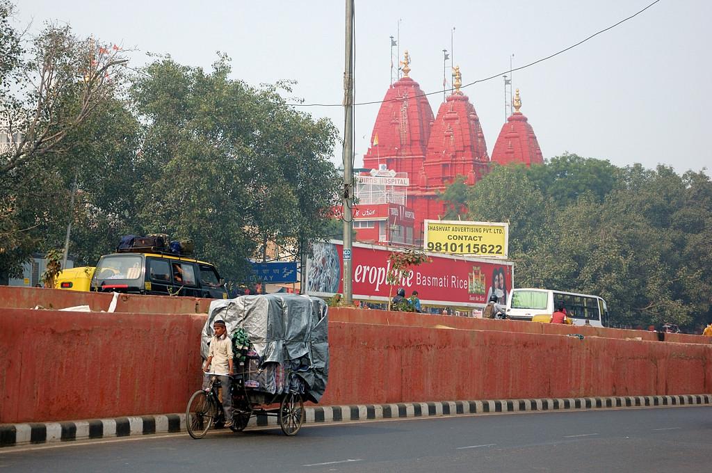 Это там джайнистский храм