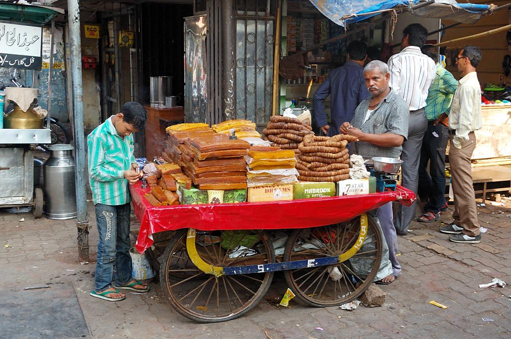 Уличная торговля сладостями