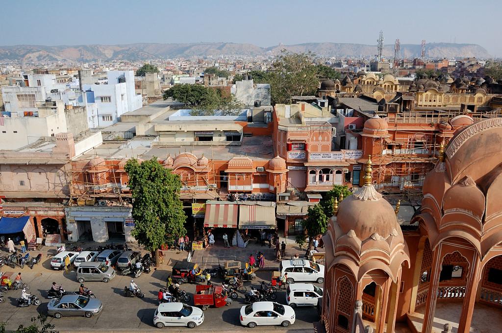 Вид на Джайпур с крыши дворца