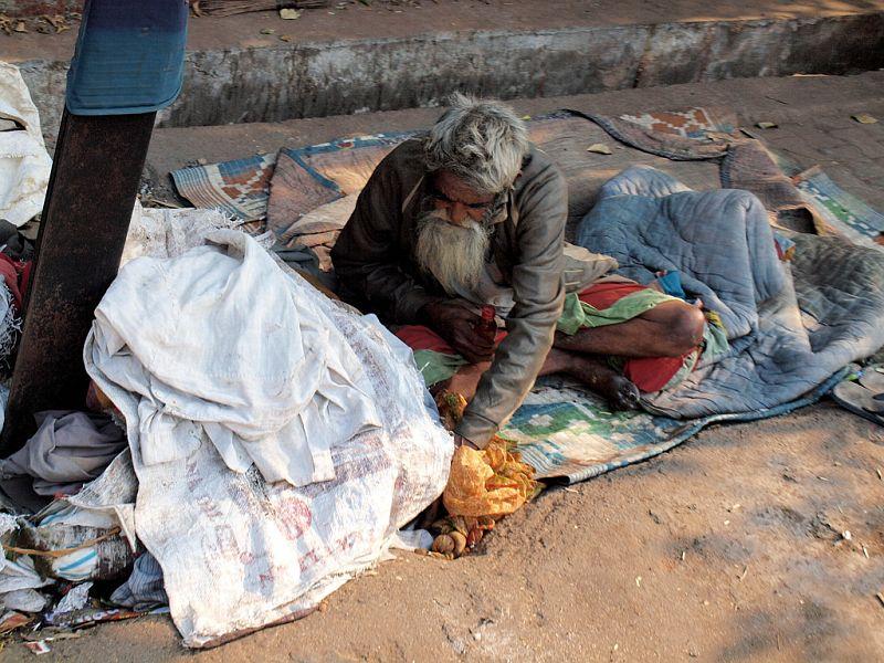 Нищеброды лежат на улицах, как мусор