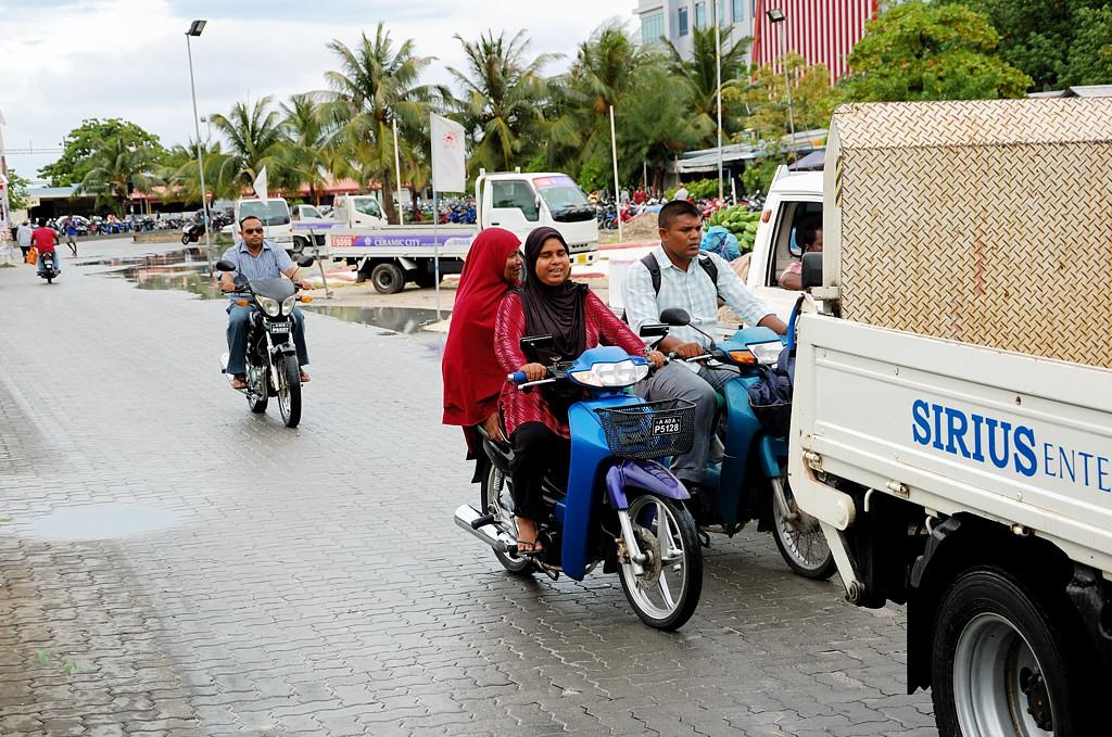 На улицах Мале в окрестностях порта