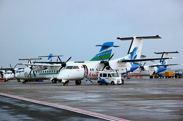 Самолеты местных Мальдивских Авиалиний