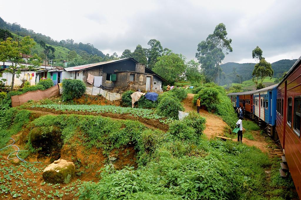 Проезжаем через деревню