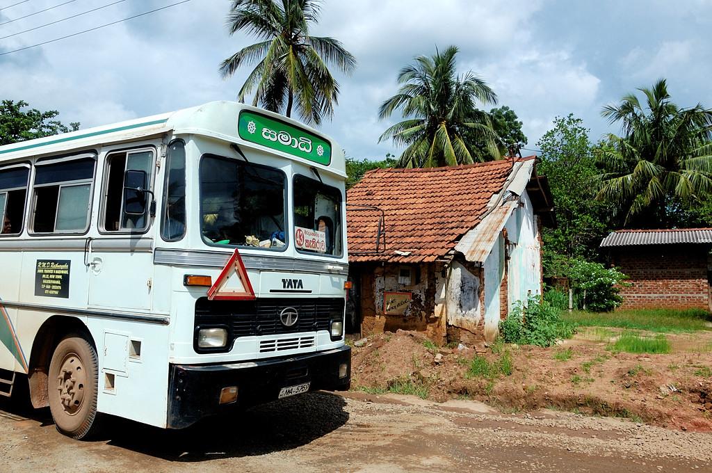 Суровые автобусы Tata