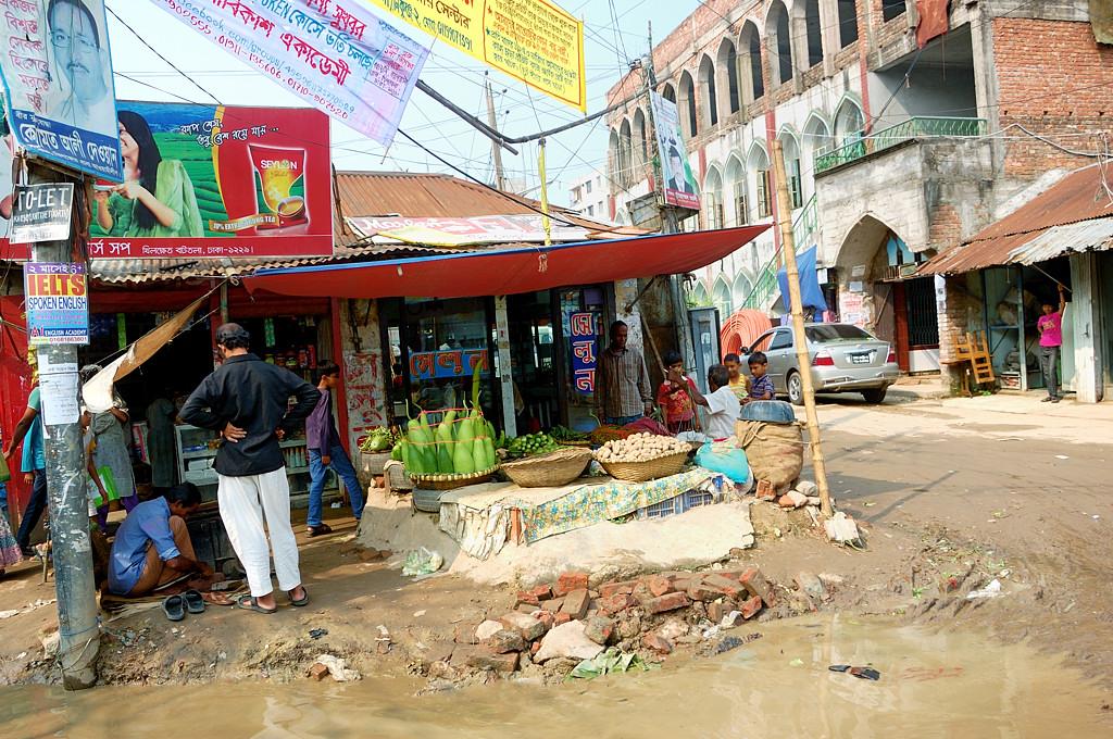 На окраине Дакки