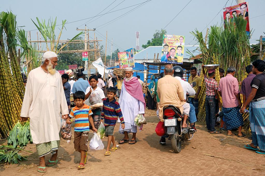 Толкотня на уличном рынке