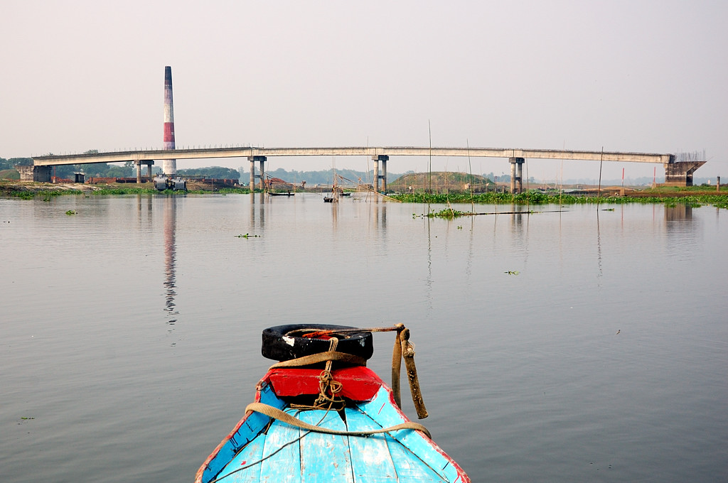 Впереди бангладешский долгострой