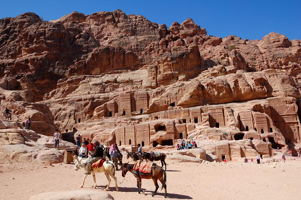 Потрясающие древние постройки