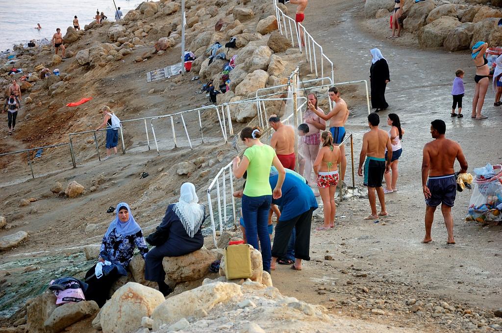 На пляже Эйн-Геди