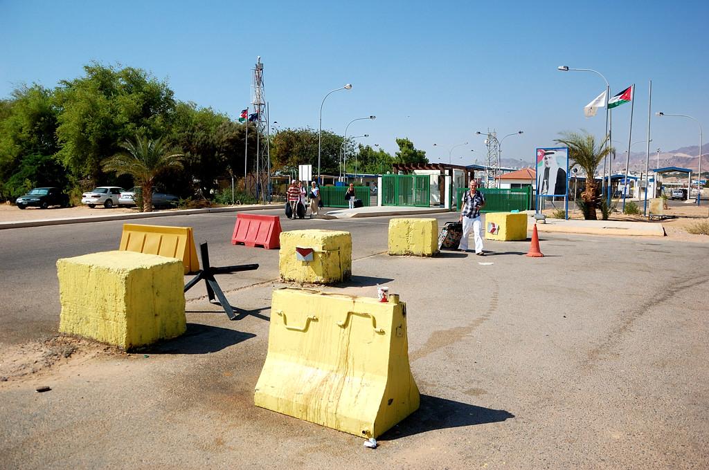 Проходим иорданскую границу