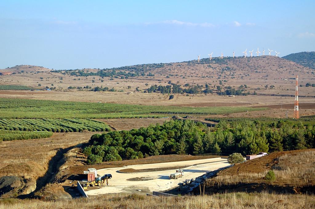 Это ветряки в Сирии или в Израиле?