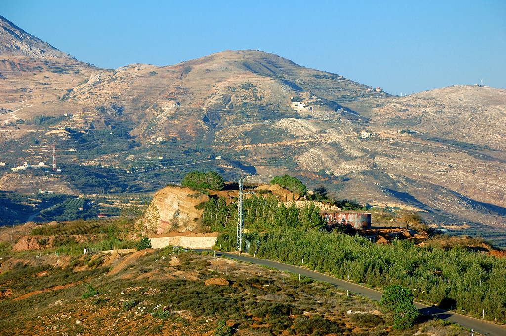 Вид от поселка Нимруд на гору Хермон