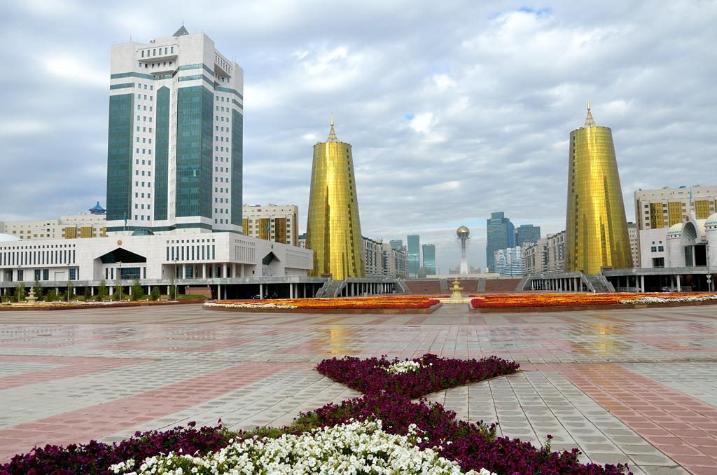 На площади у президентского дворца
