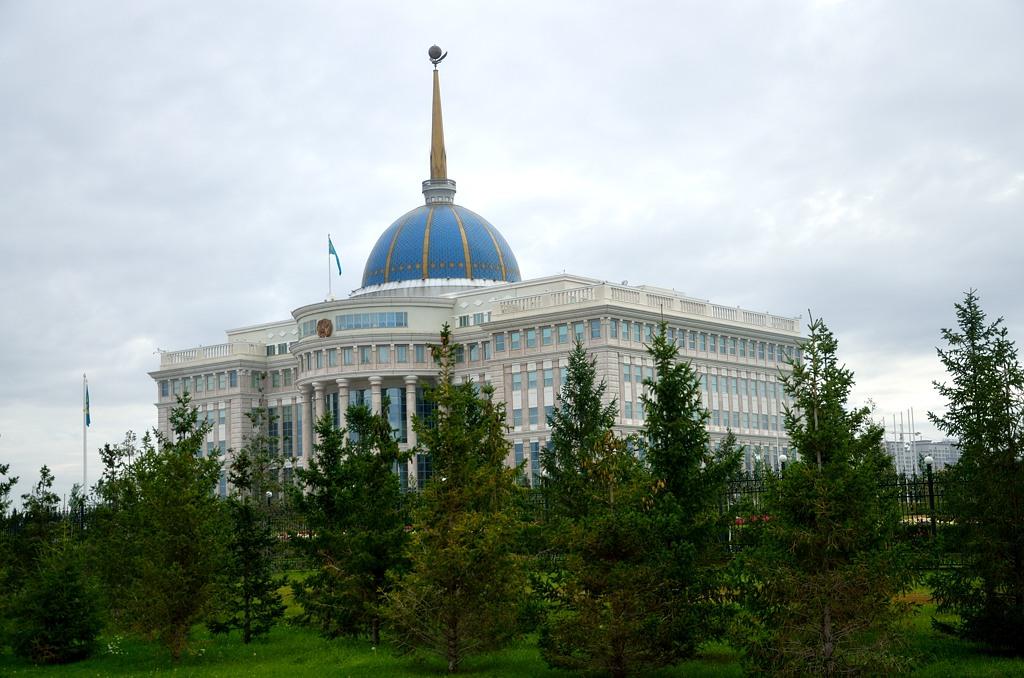 Президентский дворец Ак-Орда