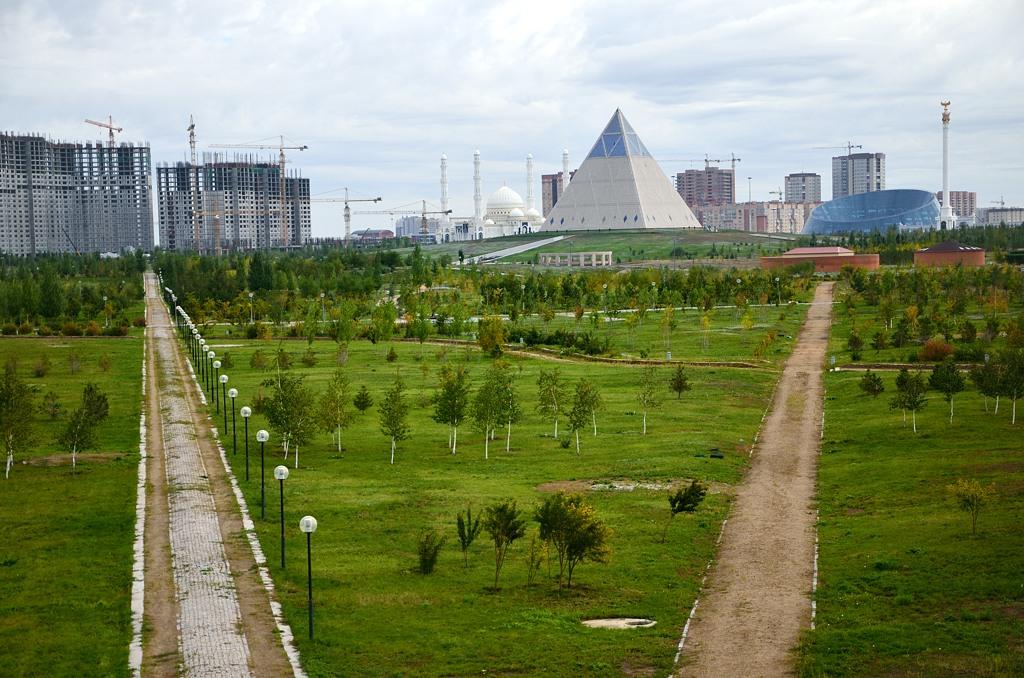 Парк на другом берегу Ишима