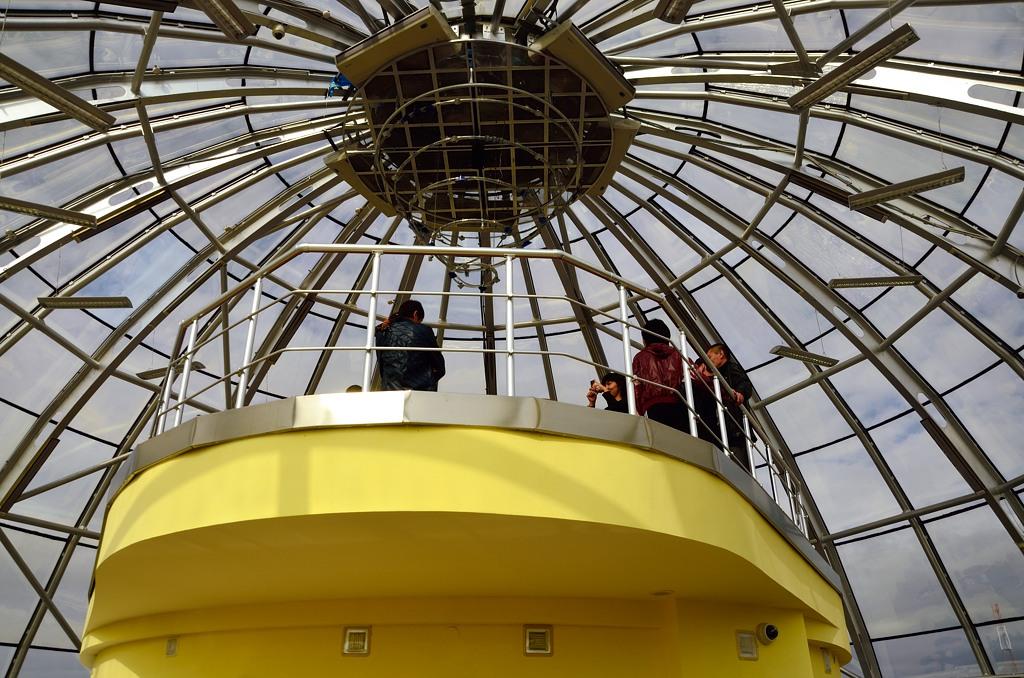 Под куполом