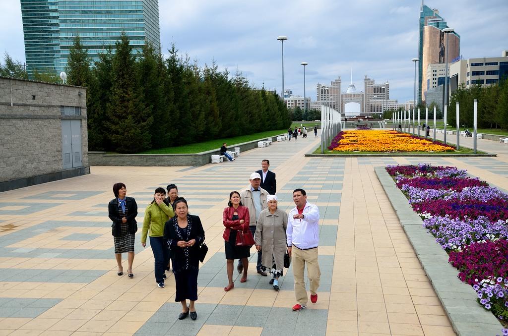 Делегация из провинции осматривает столицу