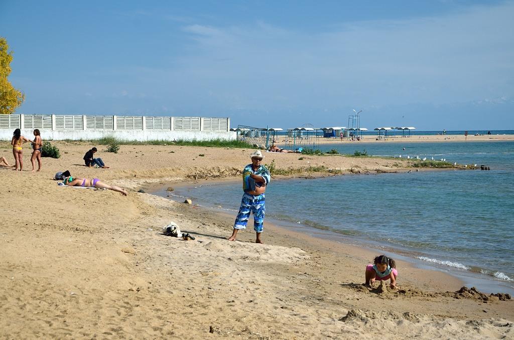 На берегу Иссык-Куля