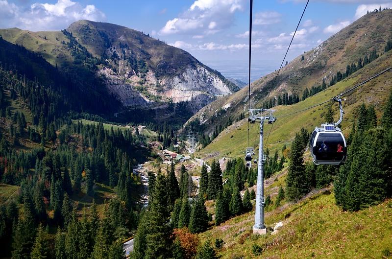 """Канатная дорога тут длинная - 9 км. Почему армяне считают, что """"Крылья Татева"""" длиннее? Ну ведь не длиннее же!"""