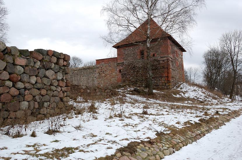 Развалины замка на полуострове