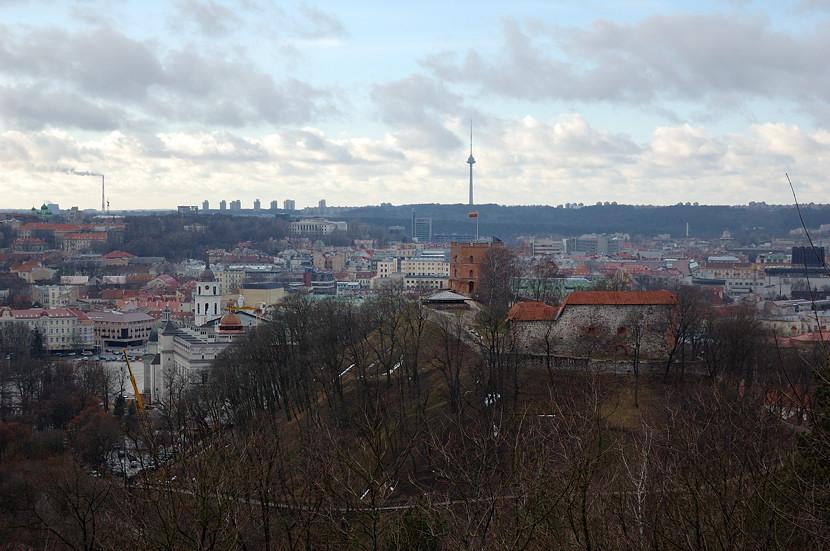 Вид на Вильнюс и гору Гедиминаса с горы
