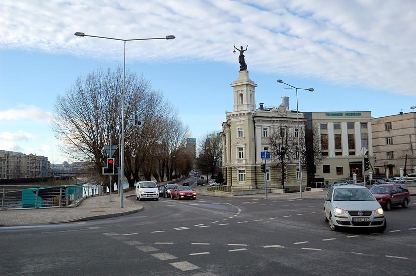 Литовский технический музей у моста Короля Миндаугаса