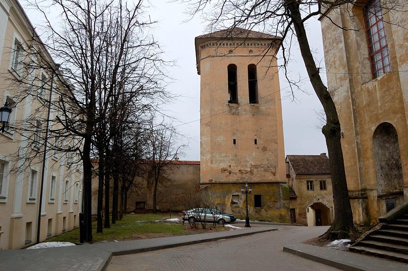 Во дворике за Василианскими воротами