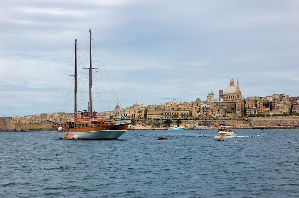 Вид на Валетту с кораблика