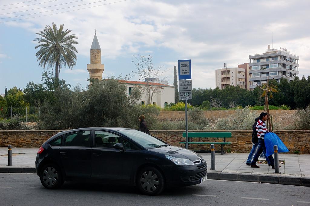 На греческой стороне немало мечетей