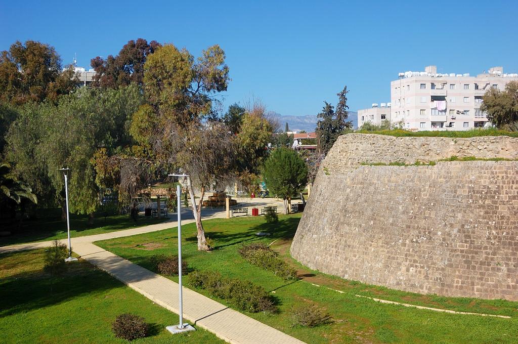 Бастионы Никосии на турецкой стороне