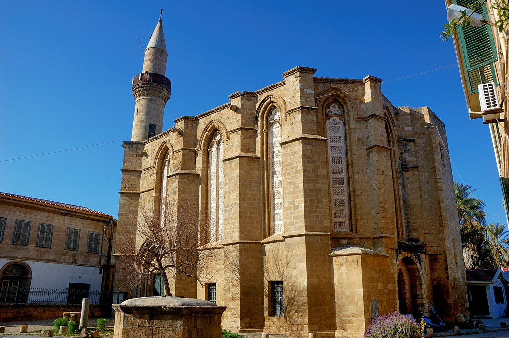 Мечеть Haydar Pasha Mosque, перестроенная из церкви Св.Екатерины