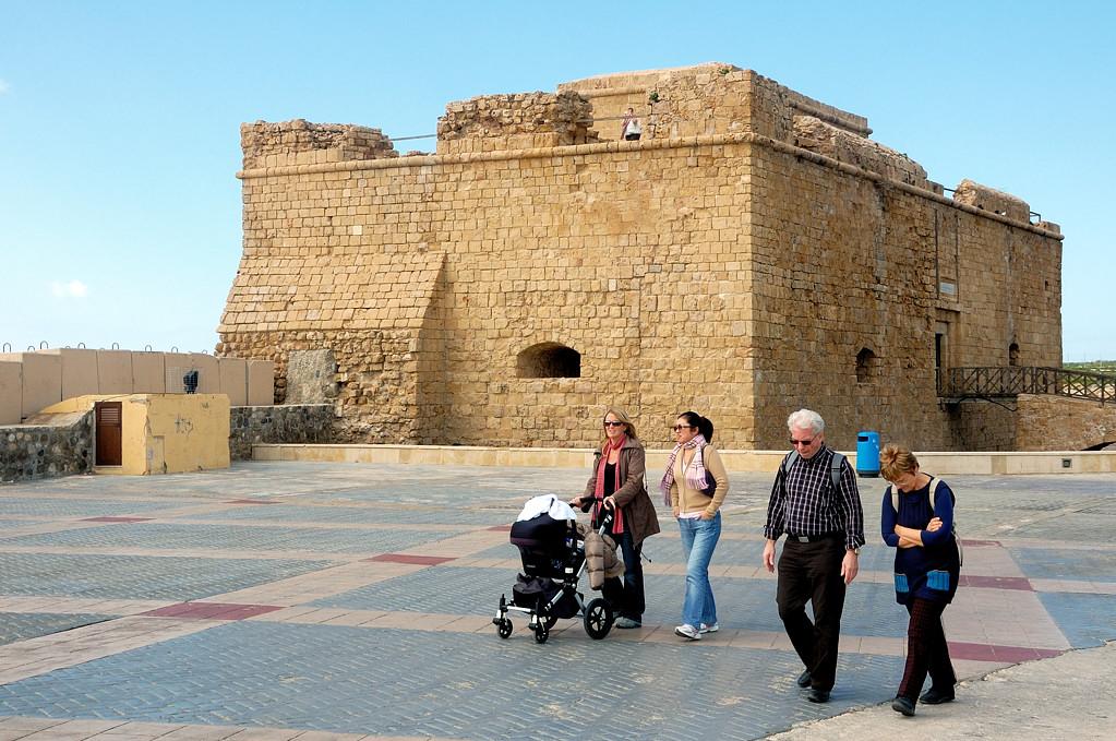 Крепость в гавани Пафоса