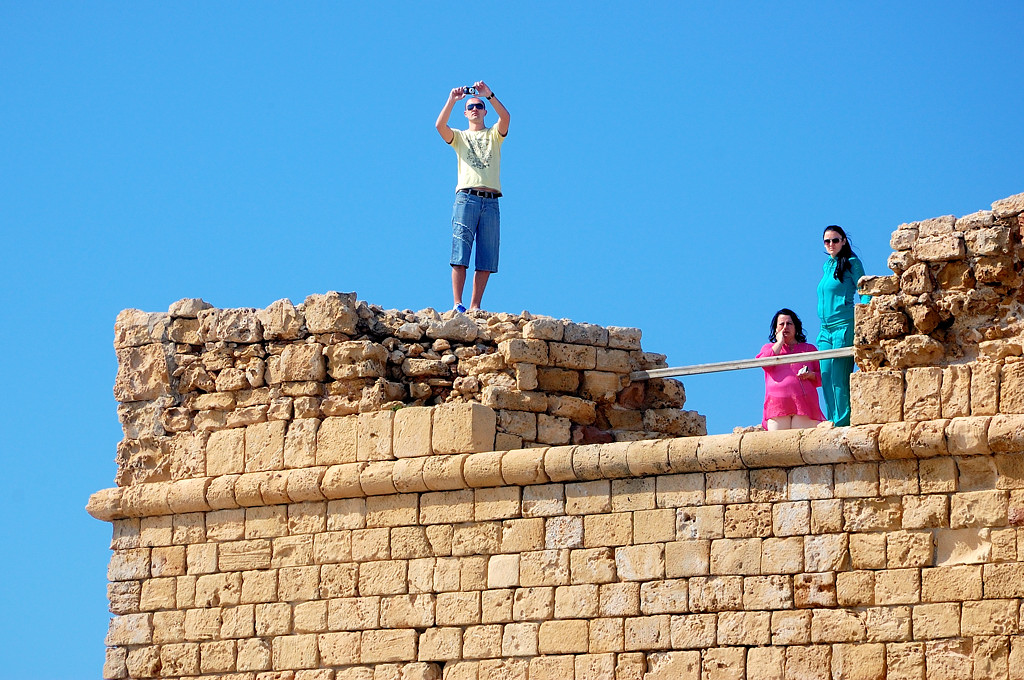 Туристы наверху крепости