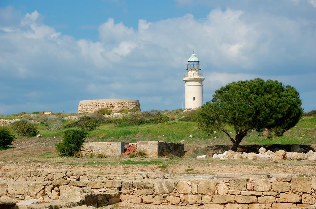 Вид с развалин на маяк